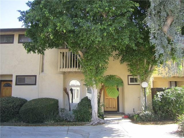 17420 Vanowen Street #4, Lake Balboa, CA 91406 (#SR18273552) :: Go Gabby