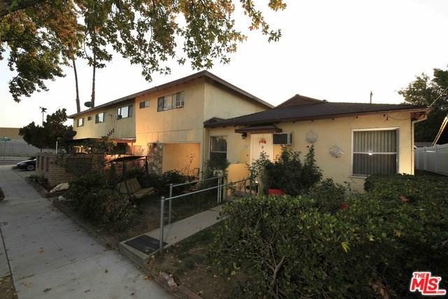2329 N Lincoln Street, Burbank, CA 91504 (#18407644) :: Go Gabby