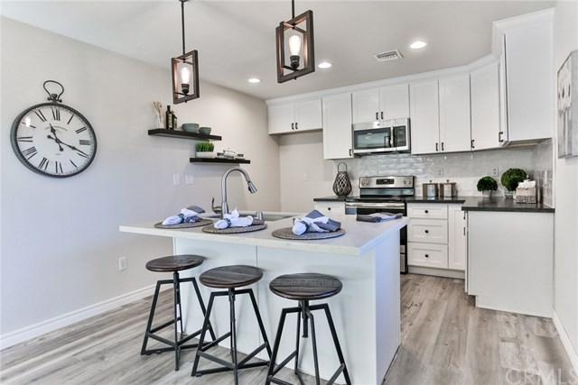 16611 Viewpoint Lane 1A, Huntington Beach, CA 92647 (#OC18273668) :: Scott J. Miller Team/RE/MAX Fine Homes