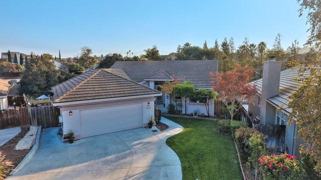 910 Valley Oak Drive, Hollister, CA 95023 (#ML81731272) :: Fred Sed Group