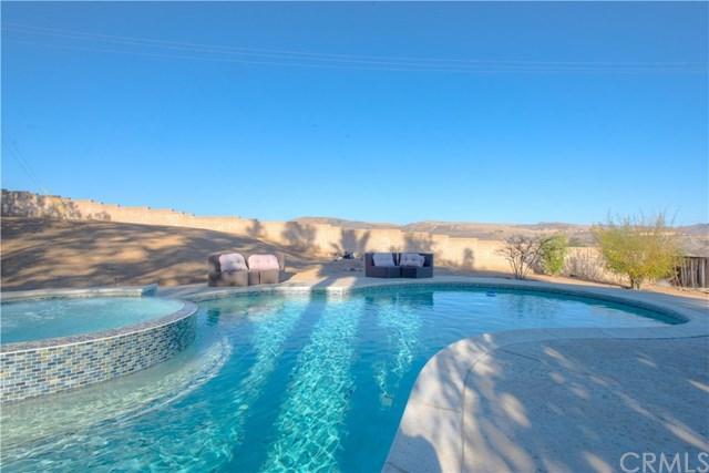 9526 Palm Canyon Drive, Corona, CA 92883 (#PW18273395) :: RE/MAX Masters
