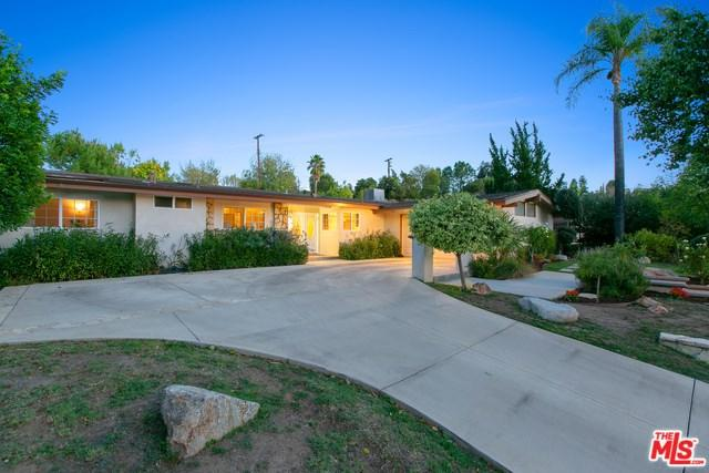 4432 Brookford Avenue, Woodland Hills, CA 91364 (#18408114) :: Go Gabby