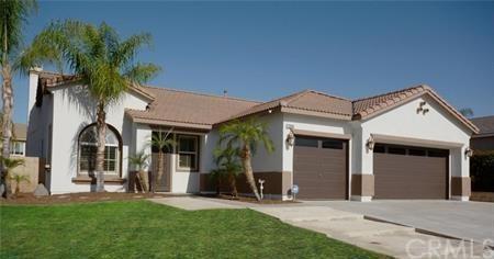 12655 Mulberry Lane, Moreno Valley, CA 92555 (#PW18267786) :: Go Gabby