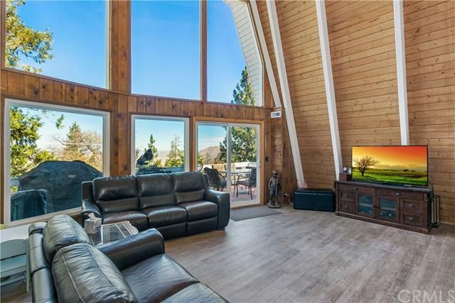 1288 Kodiak Drive, Lake Arrowhead, CA 92352 (#EV18275466) :: Go Gabby