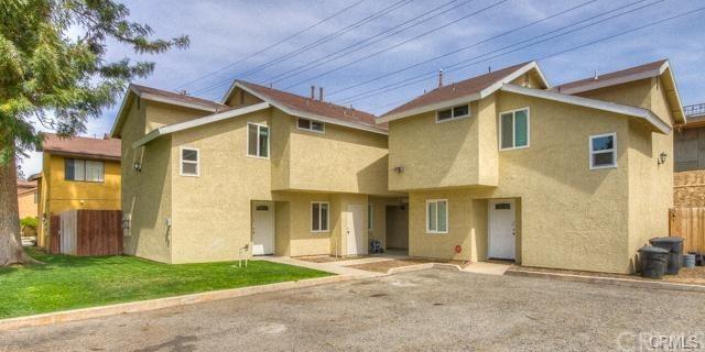 4970 Brooks Street #2, Riverside, CA 92506 (#IV18275482) :: The DeBonis Team