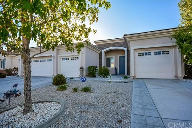 10324 Daylily Street, Apple Valley, CA 92308 (#PW18274849) :: Go Gabby