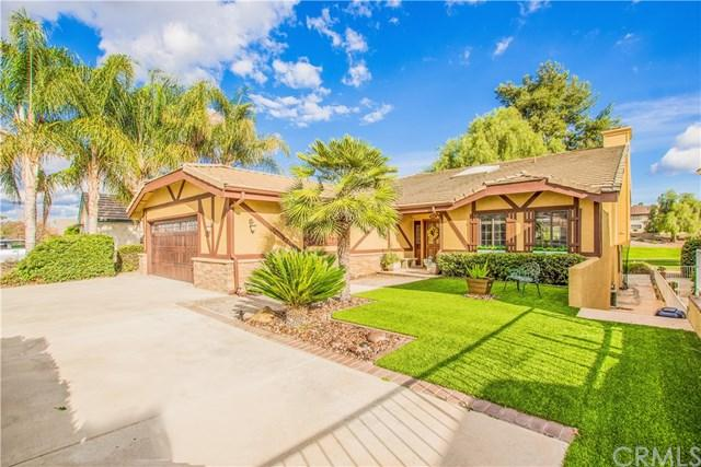 23221 Continental Drive, Canyon Lake, CA 92587 (#SW18275674) :: Go Gabby