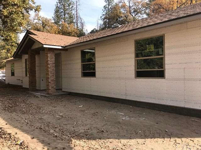 40040 Hillsborough Loop, Oakhurst, CA 93644 (#FR18276785) :: Fred Sed Group