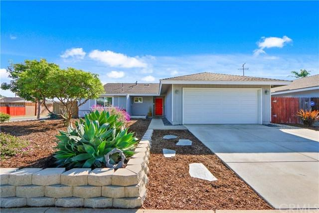 10342 Shalom Drive, Huntington Beach, CA 92646 (#OC18276829) :: Doherty Real Estate Group