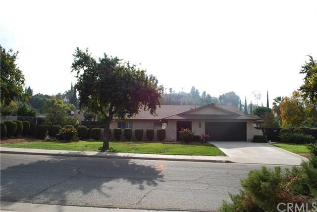 5545 Gloucester Way, Riverside, CA 92506 (#IV18277965) :: Doherty Real Estate Group