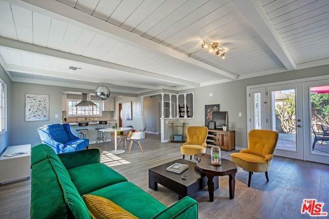 11720 Atkinson Avenue, Hawthorne, CA 90250 (#18409942) :: Fred Sed Group