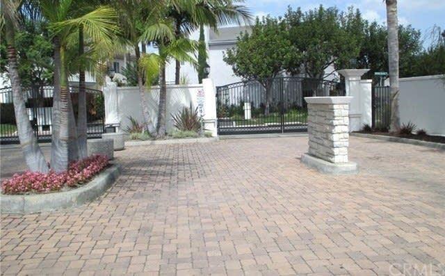 15904 Ocean Lane, Gardena, CA 90249 (#OC18278870) :: Fred Sed Group