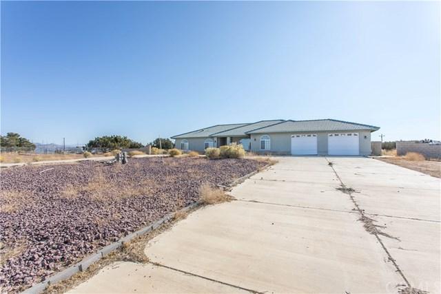 13025 Whitehaven Street, Oak Hills, CA 92344 (#SW18280300) :: Fred Sed Group