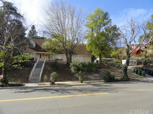 12115 Bradford Place, Granada Hills, CA 91344 (#SR18280479) :: Mainstreet Realtors®