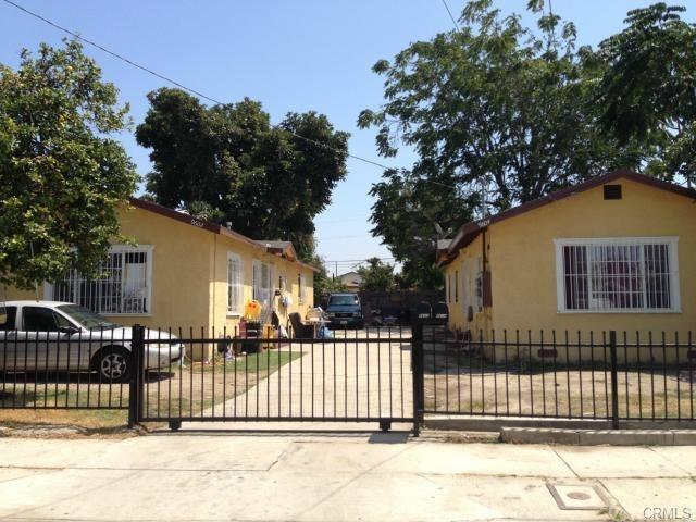 9602 Defiance Avenue, Los Angeles (City), CA 90002 (#DW18280908) :: Fred Sed Group