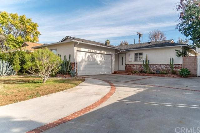 7028 Whitaker Avenue, Lake Balboa, CA 91406 (#TR18281888) :: Fred Sed Group