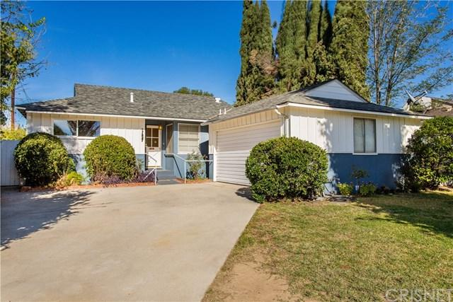 17227 Elkwood Street, Lake Balboa, CA 91406 (#SR18281398) :: Fred Sed Group