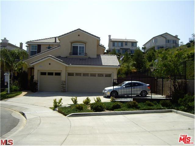 11213 Salerno Way, Northridge, CA 91326 (#18411592) :: Fred Sed Group