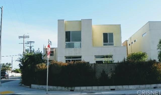 2371 Santa Ana S, Los Angeles (City), CA 90059 (#SR18282408) :: Fred Sed Group