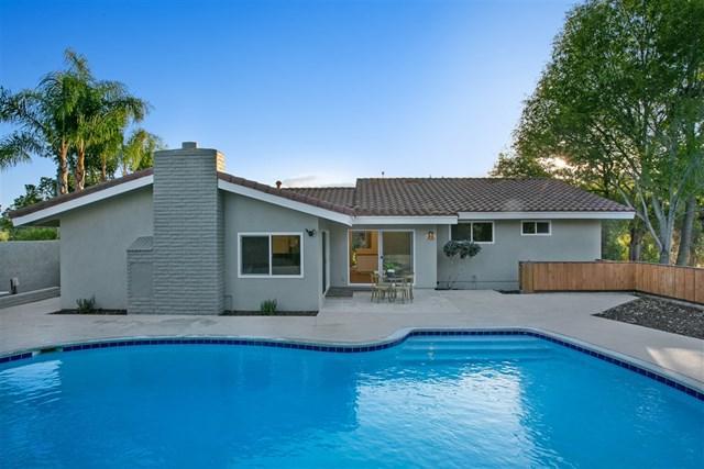 1238 W Via Rancho Pkwy, Escondido, CA 92029 (#180065486) :: Ardent Real Estate Group, Inc.