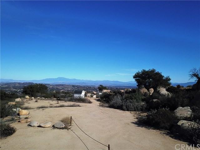 41902 Avenida De Encanto, Murrieta, CA 92562 (#SW18283073) :: Kim Meeker Realty Group