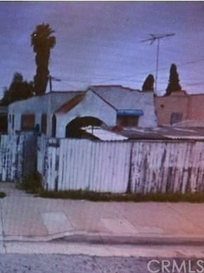 13242 Prairie Avenue, Hawthorne, CA 90250 (#SB18283992) :: Fred Sed Group