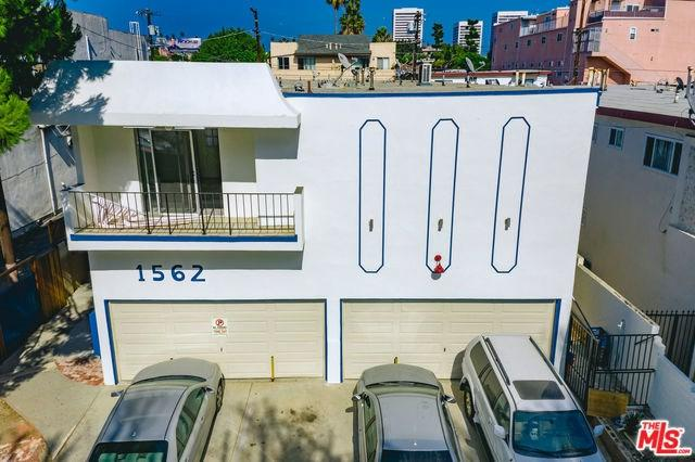 1562 Barry Avenue, Los Angeles (City), CA 90025 (#18412758) :: Fred Sed Group