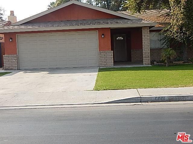 6001 Chester W Nimitz, Bakersfield, CA 93304 (#18412822) :: Mainstreet Realtors®