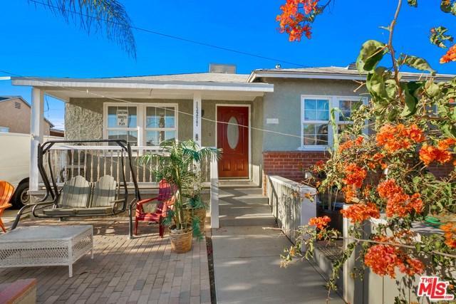 13277 Sunburst Street, Arleta, CA 91331 (#18413120) :: Fred Sed Group
