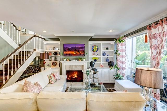 19 Canyon Crest Drive #25, Corona Del Mar, CA 92625 (#OC18277310) :: Pam Spadafore & Associates