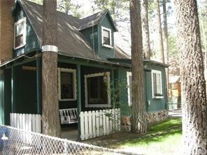 1036 W Sherwood Boulevard, Big Bear, CA 92314 (#EV18285544) :: Kim Meeker Realty Group