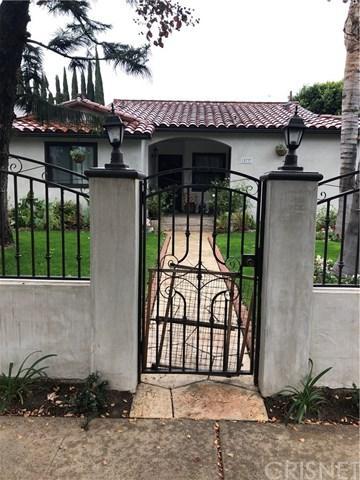 15737 Covello Street, Van Nuys, CA 91406 (#SR18284414) :: Fred Sed Group