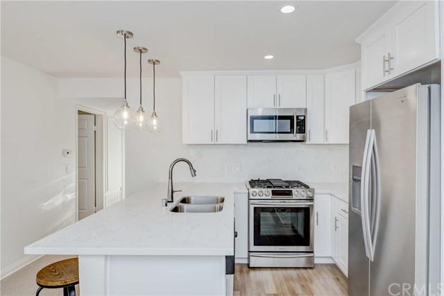 5535 Canoga Avenue #320, Woodland Hills, CA 91367 (#PW18286401) :: Ardent Real Estate Group, Inc.