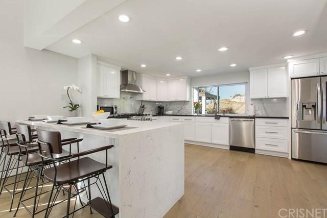 22611 Waterbury Street, Woodland Hills, CA 91364 (#SR18286526) :: Ardent Real Estate Group, Inc.
