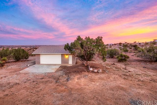 20522 Memory Lane, Apple Valley, CA 92308 (#IG18286302) :: Ardent Real Estate Group, Inc.
