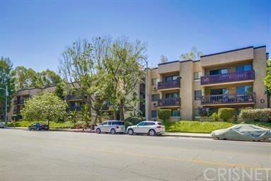 22100 Burbank Boulevard 243E, Woodland Hills, CA 91367 (#SR18287076) :: Ardent Real Estate Group, Inc.