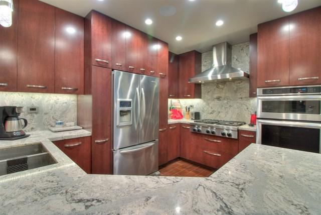 20092 Bayfront Ln Unit 201, Huntington Beach, CA 92646 (#180066682) :: Ardent Real Estate Group, Inc.