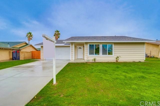849 W Grove Street, Rialto, CA 92376 (#CV18288063) :: Mainstreet Realtors®