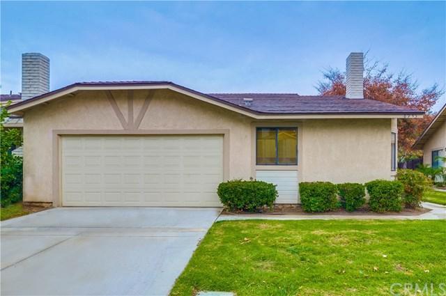 8945 Paddington Drive, Riverside, CA 92503 (#CV18284893) :: Fred Sed Group