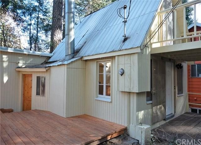 763 Woodland Road, Crestline, CA 92325 (#IV18284059) :: Kim Meeker Realty Group