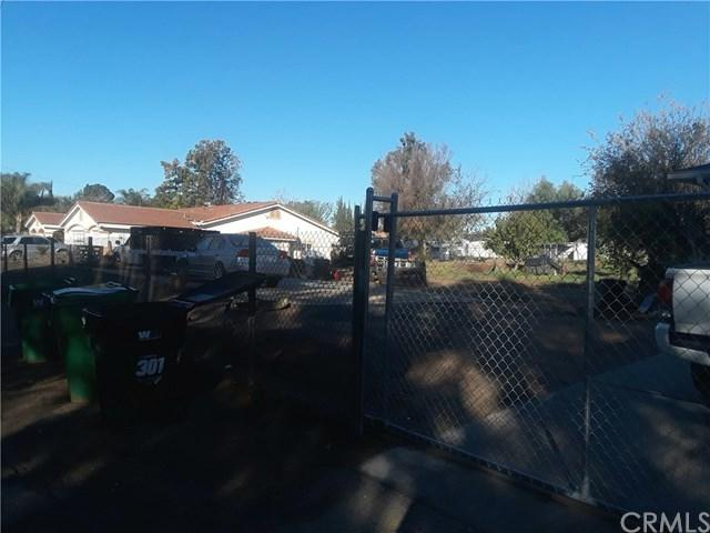11125 66th Street, Jurupa Valley, CA 91752 (#IG18288638) :: Go Gabby
