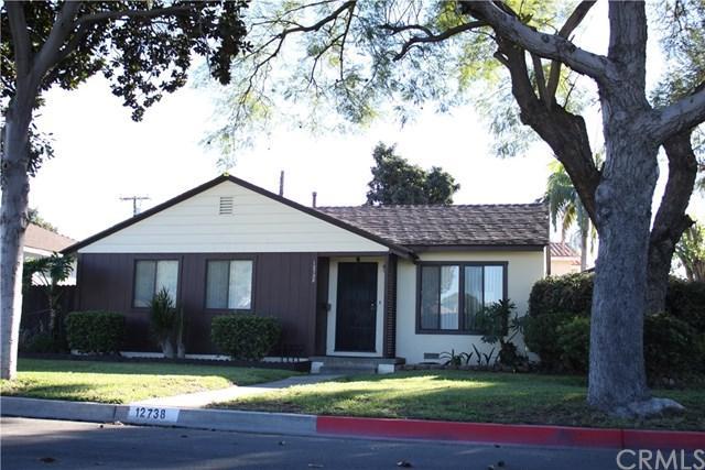 12738 Lakewood Blvd, Downey, CA 90242 (#DW18288980) :: DSCVR Properties - Keller Williams