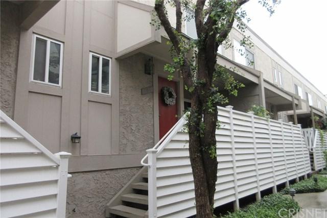 18333 Hatteras Street #108, Tarzana, CA 91356 (#SR18288619) :: Ardent Real Estate Group, Inc.