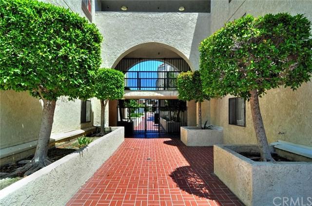 700 W 3rd Street A218, Santa Ana, CA 92701 (#PW18289386) :: Hart Coastal Group
