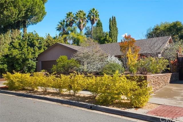 25284 Ericson Way, Laguna Hills, CA 92653 (#OC18288648) :: Berkshire Hathaway Home Services California Properties