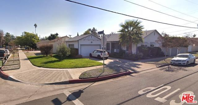 13152 Hart Street, North Hollywood, CA 91605 (#18414840) :: Fred Sed Group