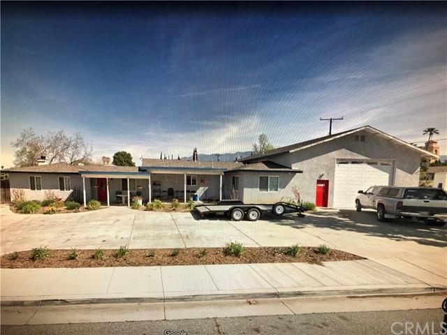 702 E 12th Street, Beaumont, CA 92223 (#EV18289727) :: Angelique Koster