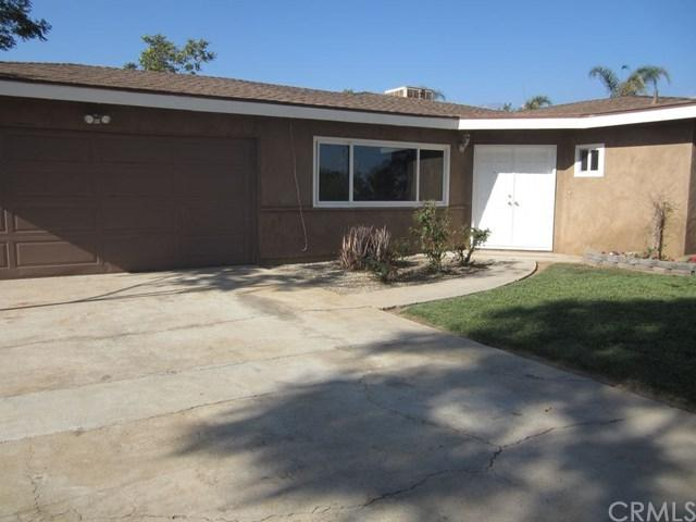 34266 Wildwood Canyon Road, Yucaipa, CA 92399 (#IV18290201) :: Angelique Koster