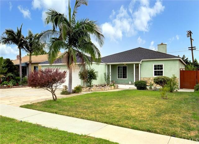 15219 Lemoli Avenue, Gardena, CA 90249 (#SB18287486) :: Millman Team