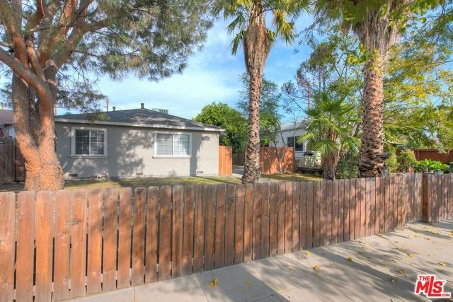10541 Chandler, North Hollywood, CA 91601 (#18415536) :: Fred Sed Group